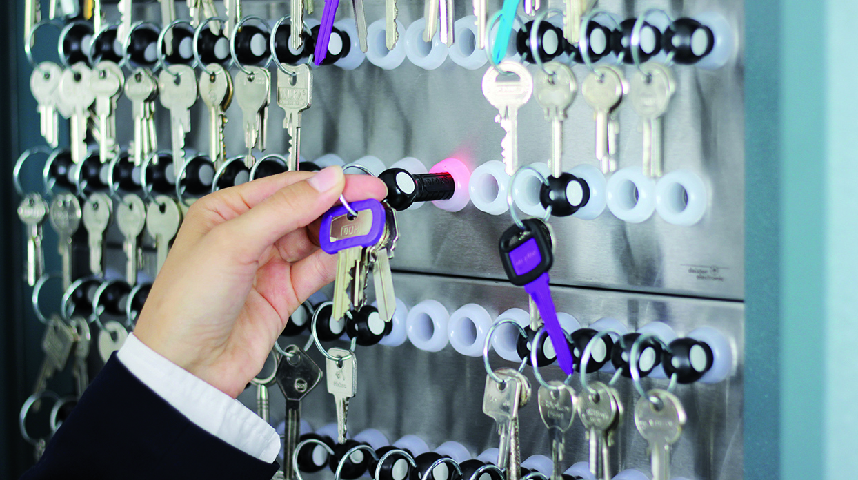 Key-Cabinet-system-secure-key-rings